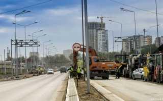 Алексей Дёмкин и депутаты гордумы проверили ход работ на улице Строителей