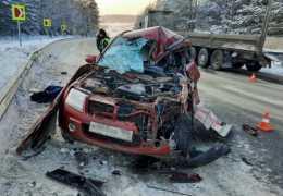 «Скончался на месте». В Пермском крае прицеп раздавил машину вместе с водителем