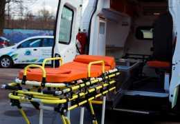 Как транспортировать лежачего больного